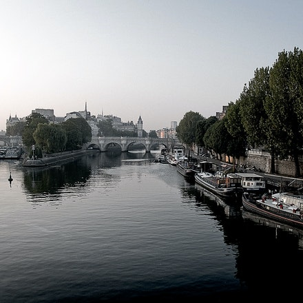 Dawn_on_the_River_Seine - OLYMPUS DIGITAL CAMERA