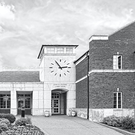 James W. Stuckert Career Center, University of Kentucky/Black and White Photo_1632_30 - Photo by Campus Photos USA. The James W. Stuckert Career Center,...