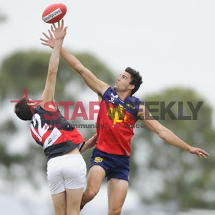 RDFL, Diggers Rest vs Riddell - RDFL, round 1, Diggers Rest vs Riddell. Pictures Shawn Smits