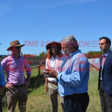 170304 PM Turnbull Barcaldine Solar visit